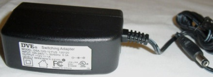DVE DSA-12G-12 FUS 120120 AC ADAPTER 12VDC 1A USED -(+) 90° 2x5. - Click Image to Close