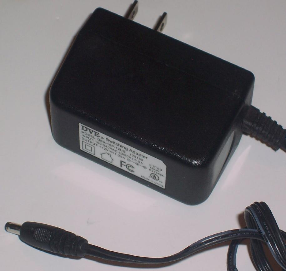 DVE DSA-15P-05 US 050125 AC ADAPTER 5VDC 2.5A SWITCHING POWER S