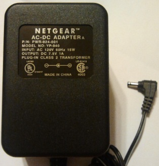 NETGEAR YP-040 AC ADAPTER 7.5VDC 1A USED -(+) 1.5x3.5mm PWR-024-