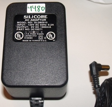 SILICORE SLD80910 AC ADAPTER 9VDC 1000MA USED 2.5 x 5.5 x 10mm