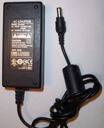 EA10302 AC ADAPTER 9Vdc 3A 2.5x5.5mm -(+) Used 100-240vac Power