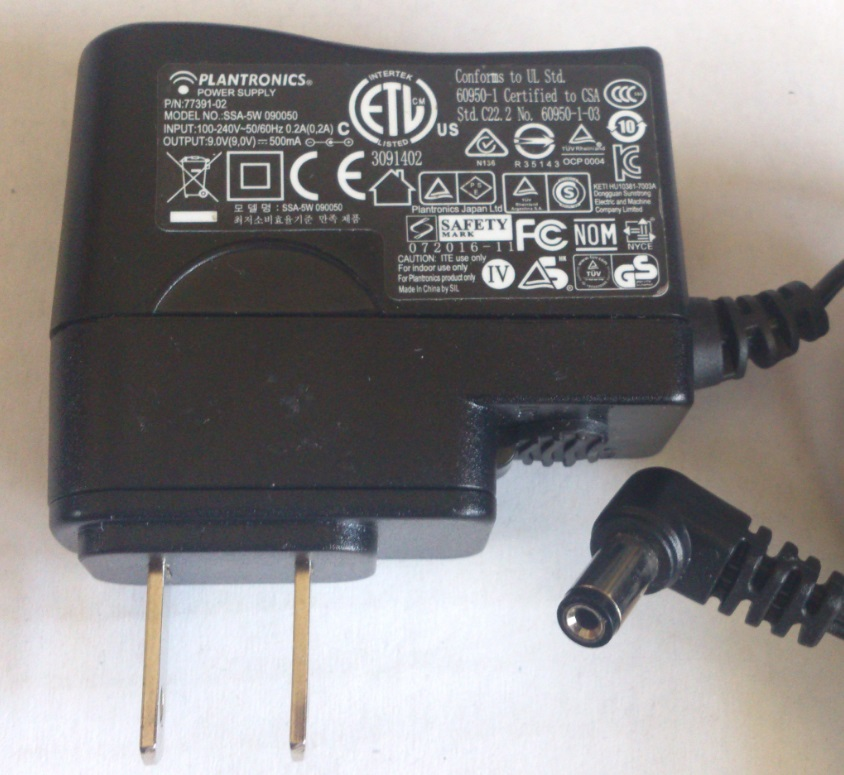 PLANTRONICS SSA-5W 090050 AC ADAPTER 9VDC 500mA USED -(+)-